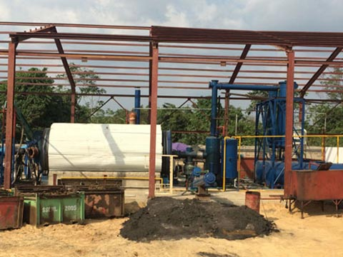 plastic-oil-from-pyrolysis-plant